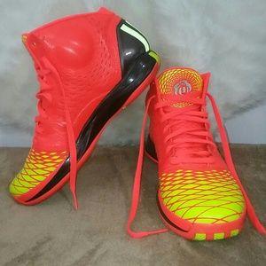 🚨$35 Adidas D Rose Basketball Shoes